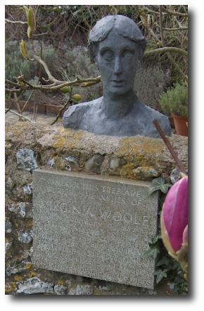 The tomb of Virginia Woolf. The inscription starts,  Artwork : Photo by  from Oxford, UK, and reworked by the Bilderwerkstatt. Taken from  and licensed under the   license.